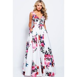 JVN59146 White Multi Floral Prom Dress Size 2 NWT